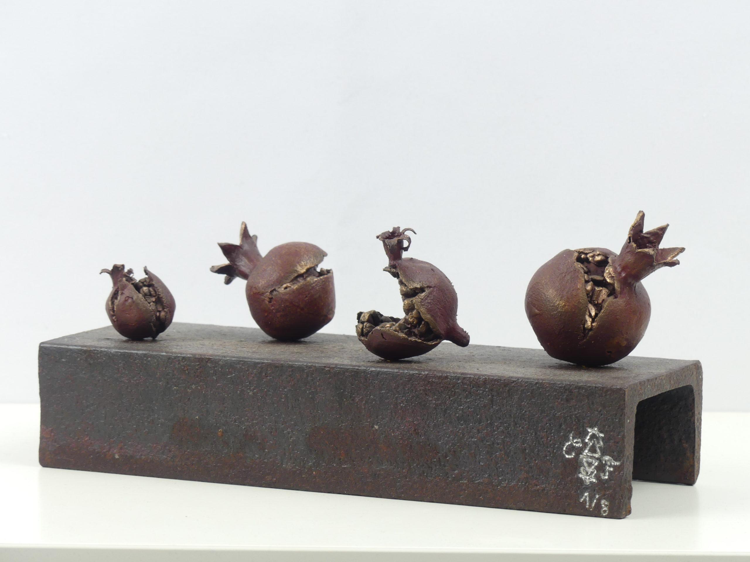 Une artiste fondeur de bronze